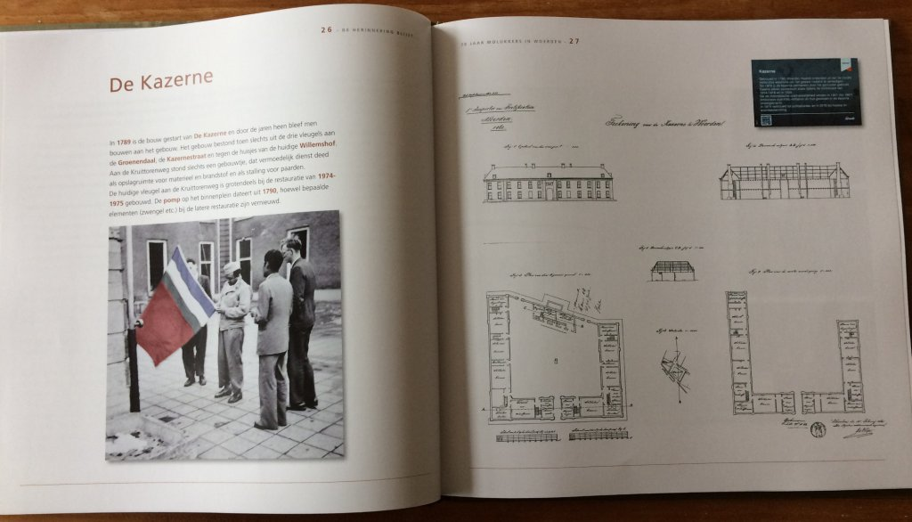Inkijkje in het boek De herinnering blijft 70 jaar Molukkers in Woerden. Verhalen over het kampleven in Woerden. met de plattegrond en foto's van De Kazerne.